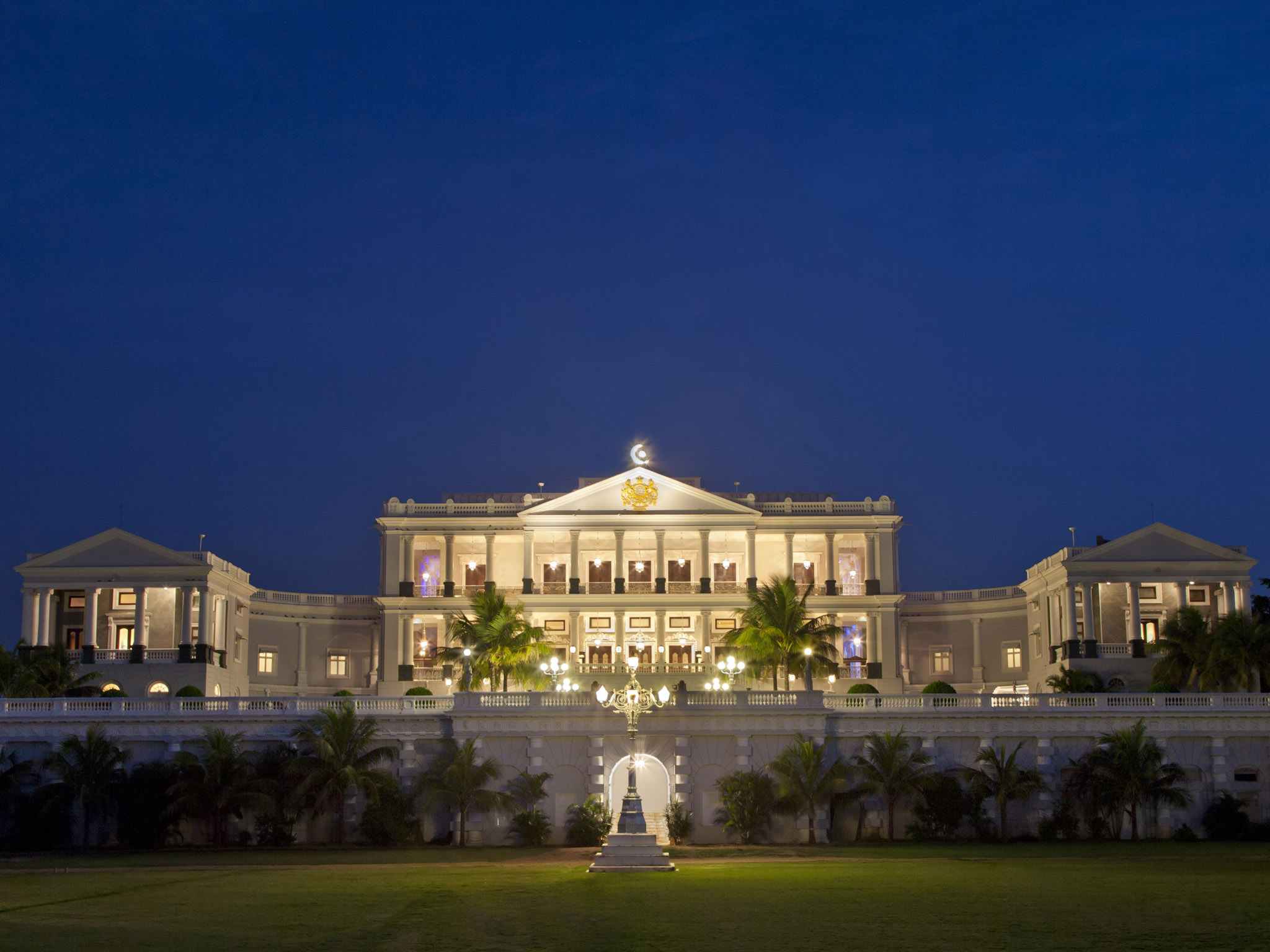 Heritage Palace Hotel In Hyderabad Taj Falaknuma Palace